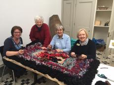 Activities rag rug making 3-233Kb